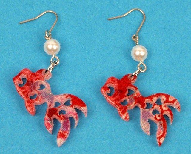 Boucles d 39 oreilles petit poisson rouge japon tendance for Petit poisson rouge